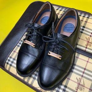 Brand new Dockers dress shoe